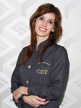 Fernanda dos Anjos Morais - (Dentista)